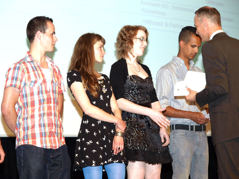 Diplomfeier schreiner lernende for Innendekorateur video